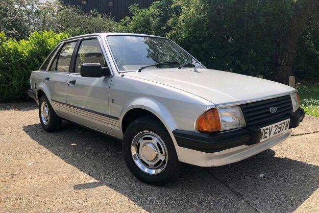 ford-escort-ghia-lady-diana-aukcija-reeman-dansie-2021-proauto-02