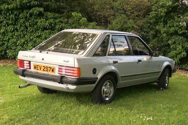 ford-escort-ghia-lady-diana-aukcija-reeman-dansie-2021-proauto-03