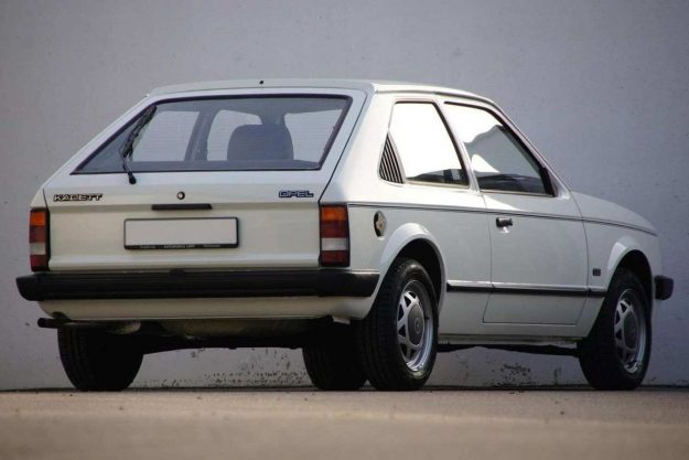 oldtimer-opel-kadett-d-1-2-s-gls-1984-automobile-lopp-2021-proauto-02