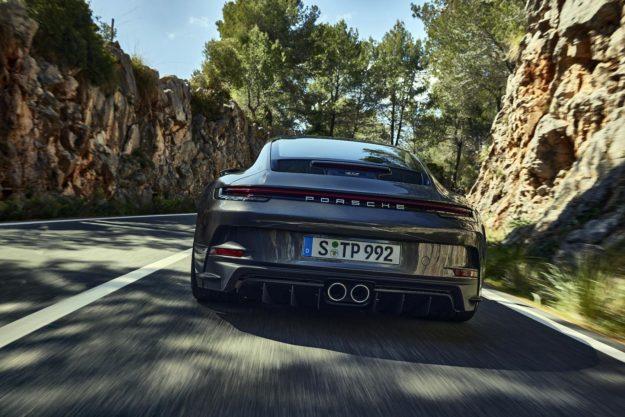 porsche-911-gt3-touring-package-2021-proauto-03