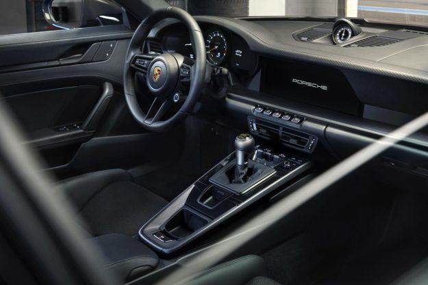 porsche-911-gt3-touring-package-2021-proauto-04