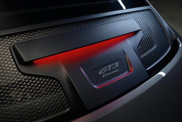 porsche-911-gt3-touring-package-2021-proauto-06