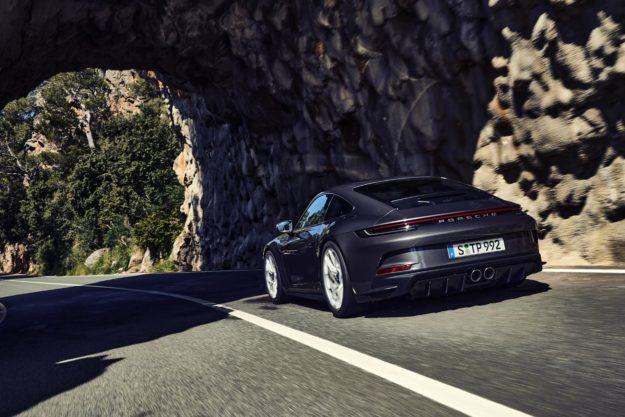 porsche-911-gt3-touring-package-2021-proauto-07