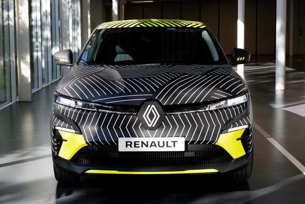 renault-megane-e-tech-electric-pre-production-2021-proauto-02