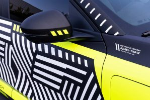 renault-megane-e-tech-electric-pre-production-2021-proauto-04