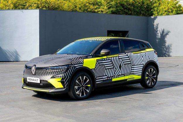 renault-megane-e-tech-electric-pre-production-2021-proauto-06