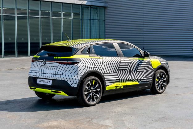 renault-megane-e-tech-electric-pre-production-2021-proauto-08