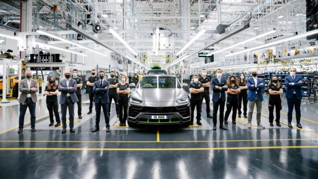 lamborghini-urus-super-suv-15000-proizvodni-rekord-2021-proauto-01