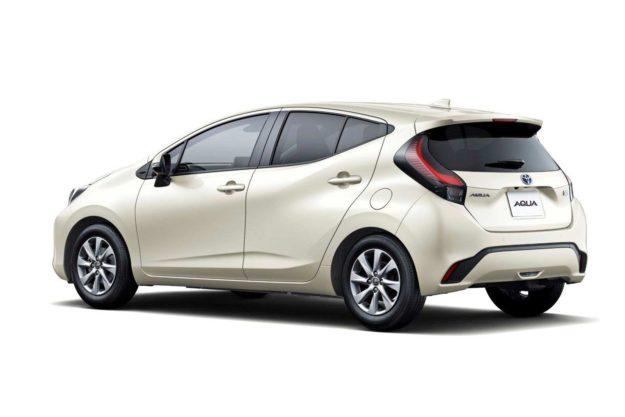 toyota-aqua-hybrid-japan-2021-proauto-05
