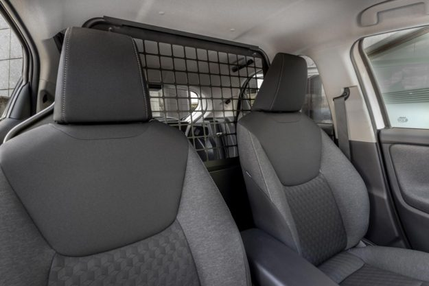 toyota-yaris-ecovan-prvi-hibrid-u-klasi-mini-dostavnjaka-2021-proauto-08