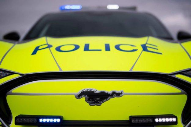 ford-mustang-mach-e-concept-ev-suv-police-uk-2021-proauto-01