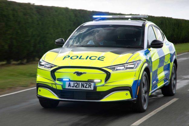ford-mustang-mach-e-concept-ev-suv-police-uk-2021-proauto-05