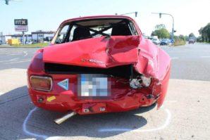 Kakva šteta: U sudaru teško oštećena prelijepa Alfa GT 1600 Junior