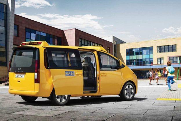 skolski-autobus-hyundai-staria-kinder-2021-proauto-02